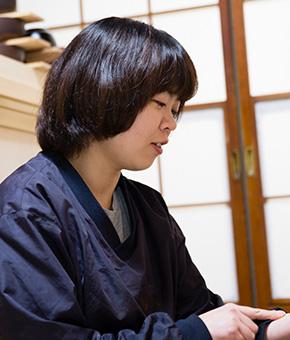Urushi Tapper and Lacquer painter Ms. Namiko Yamazaki
